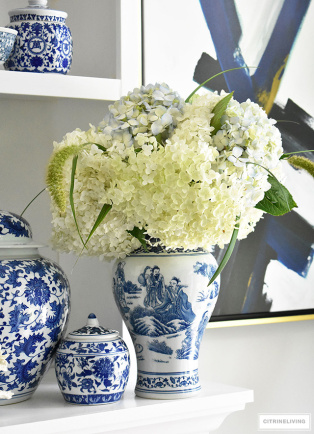 blue-and-white-chinoiserie-vase-white-light-blue-hydrangeas